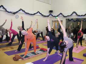 savethechildren_yogaevent2012_3
